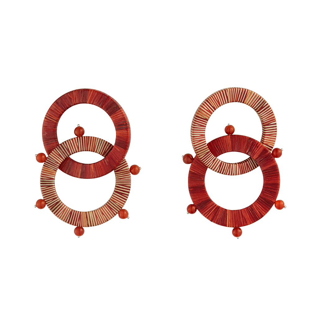 DOUBLE HOOP RED AND WHITE EARRINGS MADE WITH THE ENCHAPE EN TAMO TECHNIQUE FROM PASTO