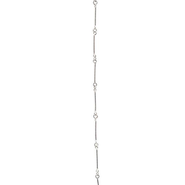 zoom Cadena con eslabones lisos en plata. Parte de la Colección No.4 de Aysha Bilgrami Joyeria