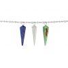 dijes piramidales en piedras semi preciosas verde, azul y transparente colgando de una cadena en plata. Parte de la Colección No.8 de Aysha Bilgrami Joyeria